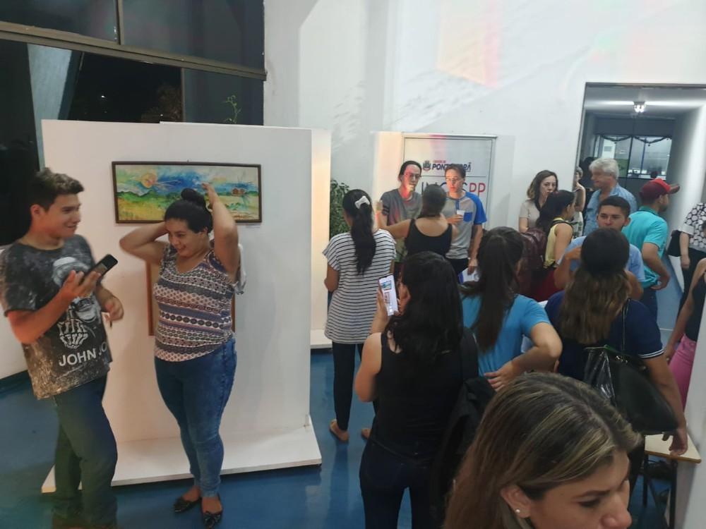 """Aberta exposição """"Resgate de Artes Plásticas"""" no Paço Municipal"""