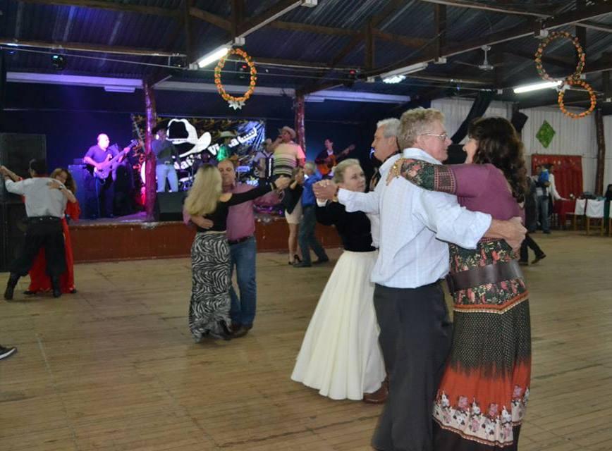 CTG Querência da Saudade tem grande baile nesta sexta-feira