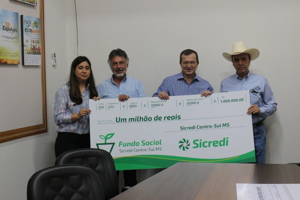 Sicredi Centro-Sul MS entrega doação de unidade móvel para Hospital de Amor
