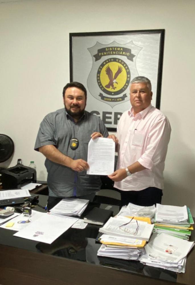 Secretário Dário Honório e diretor do presídio, Carlos Jardim