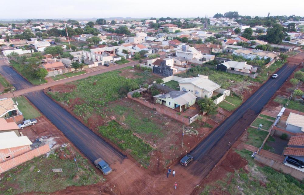 Obras de asfaltamento no bairro Bosque Ponta Porã avançam