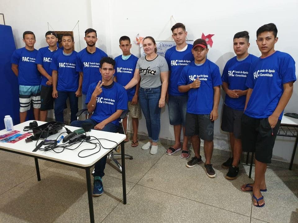 Prefeitura certifica alunos de programas sociais do FAC