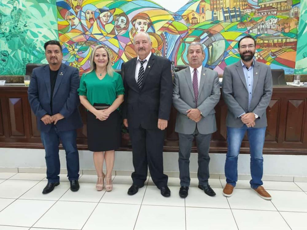 Sessão extraordinária resultou na escolha unânime dos novos componentes da Mesa Diretora da Câmara Municipal de Ponta Porã (Fotos: Lécio Aguilera)
