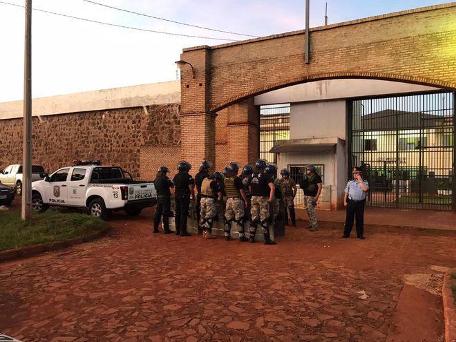 Fuga em massa de presídio em Pedro Juan Caballero ocorreu neste domingo - Foto: Gilberto Ruiz Díaz