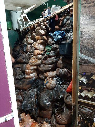 Presos usaram 200 sacos para guardar areia - Foto: Divulgação/abccolor