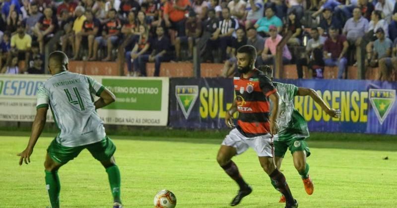 Equipe do Águia Negra e Sociedade Esportiva Pontaporanense
