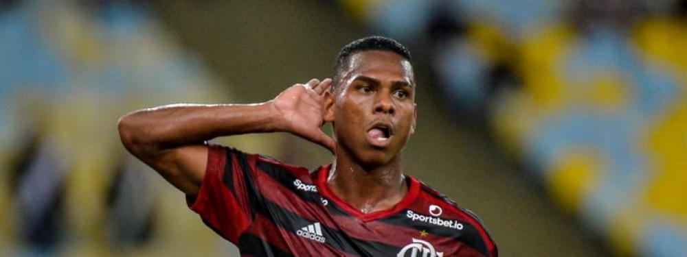 Lucas Silva comemora gol marcado no Maracanã que deu vitória ao Flamengo - Foto: Divulgação/Flamengo
