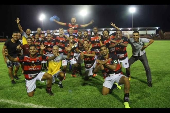 Jogadores do Águia Negra comemoram classificação inédita na Copa do Brasil - Franz Mendes