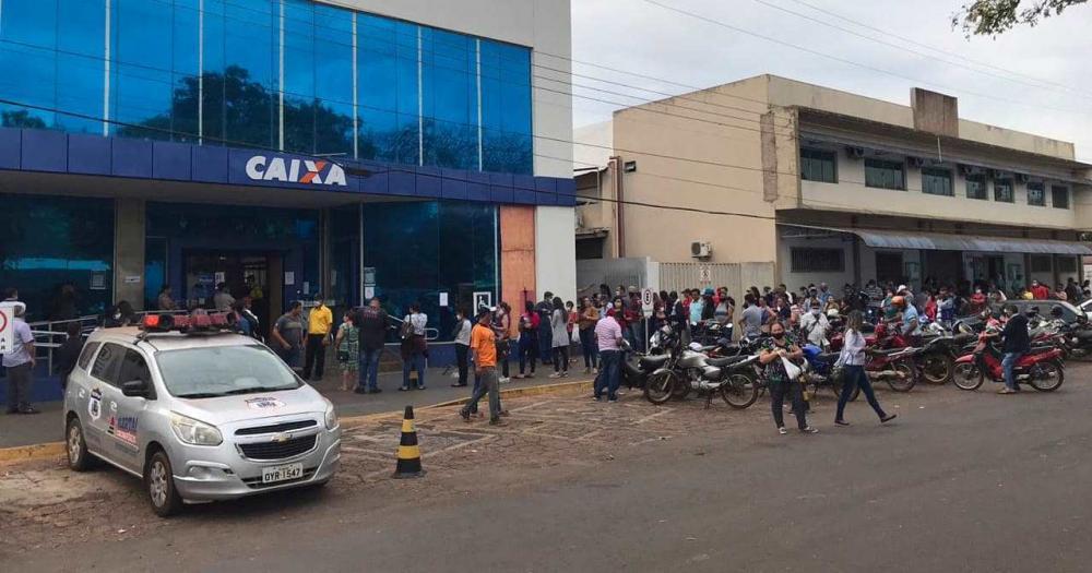 Intenso fluxo nos bancos estende pagamento do IPTU