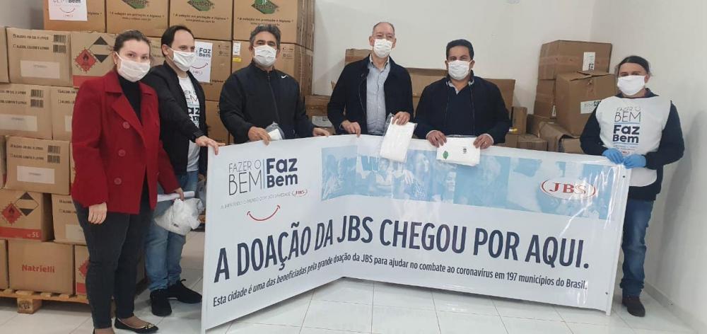 Prefeitura recebe mais de 5 mil EPI´s da JBS