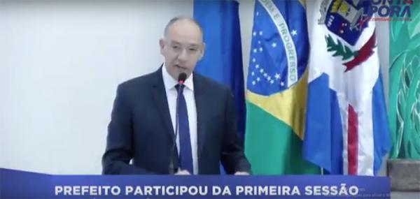 Prefeito Hélio Peluffo participou da primeira sessão da Câmara Municipal de Ponta Porã