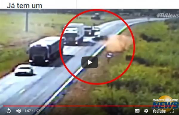 Vídeo mostra ultrapassagem que provocou colisão na BR-163 em Dourados